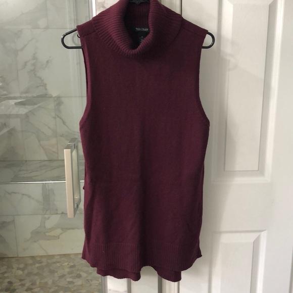 49a62bd38df0ed White House Black Market sleeveless mock sweater. M 5b636efaf41452733e64da3e